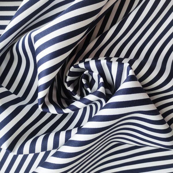 Хлопок-стрейч в темно-синюю полоску (0.5 см)